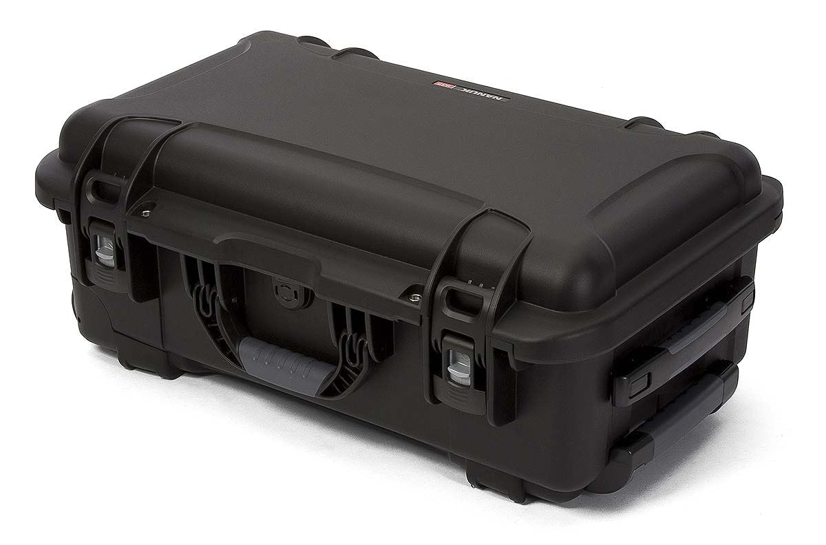Nanuk 935 in Black with Retractable Handle